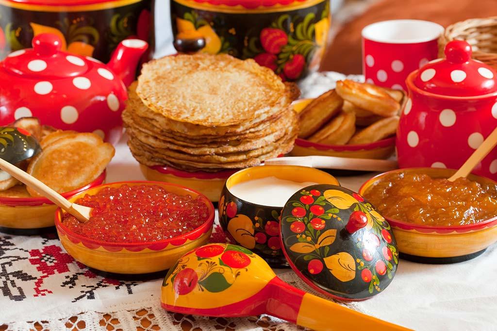 картинки с традициями русского народа раздача какогото сока