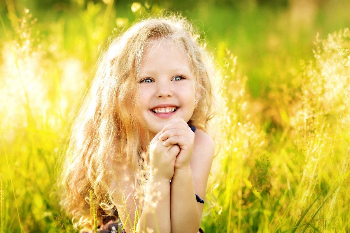 Картинка с улыбающимися детьми